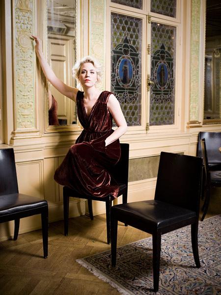 Frida Hyv�nen, Stockholm