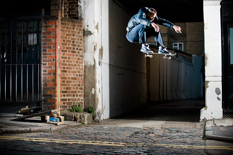 Jason Dill, Ollie, London